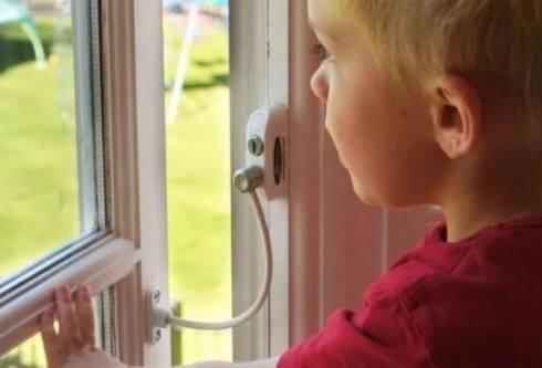 Поставить замки безопасности на окна для защиты детей призывают ДЧС Карагандинской области