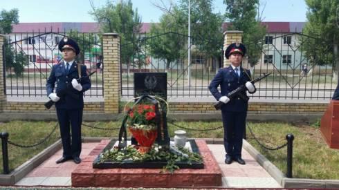В Приозерске открыли обелиск погибшим сотрудникам полиции