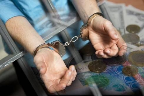 Начался суд над чиновником в Караганде по шести фактам взяток