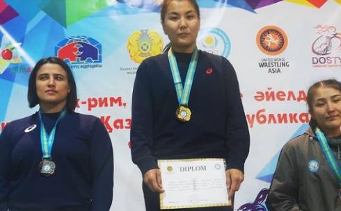 Эльмира Сыздыкова и Валерия Гончарова стали чемпионками страны