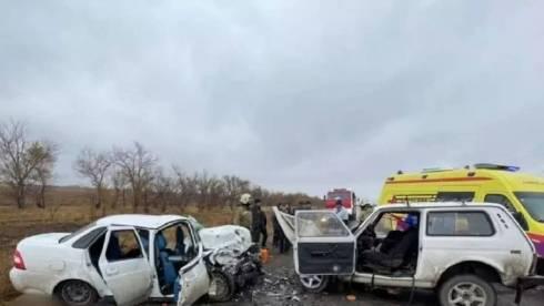 Три человека погибли в жутком ДТП на трассе в Карагандинской области