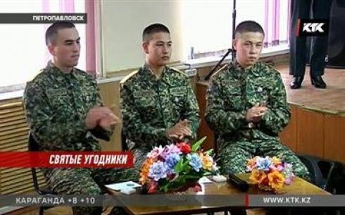 Солдат, задержавших грабителей церковной лавки, наградят