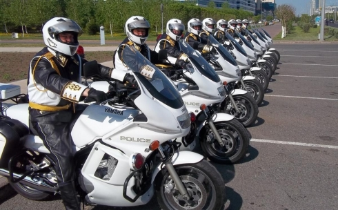 Карагандинцы предложили приобрести  мотоциклы  и вертолеты  для полицейских
