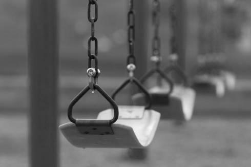 7-летний ребенок скончался на игровой площадке в Караганде