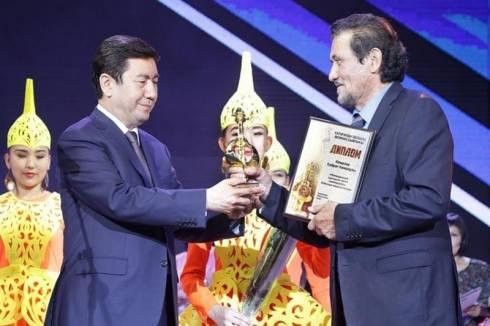 Исполнитель роли Керей хана получил главный приз акима Карагандинской области