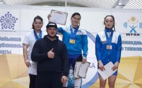 Команда Карагандинской области на кубке и чемпионате Казахстана по тяжёлой атлетике завоевала 20 медалей