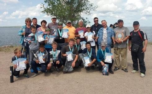 Соревнования по лову рыбы прошли среди ребят дворовых клубов