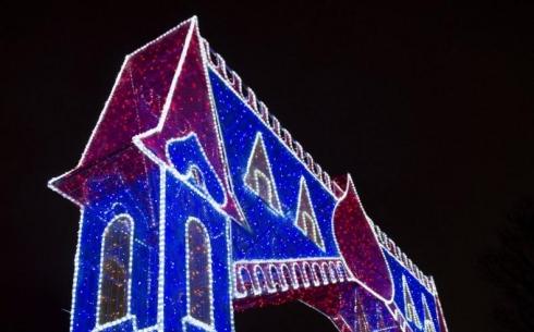 Карагандинцам рекомендуют обходить стороной массивные городские украшения