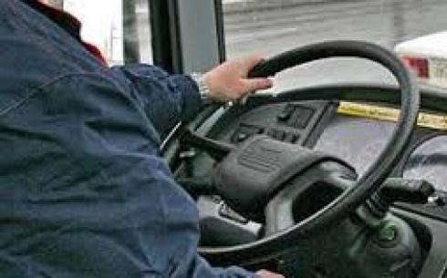 В Карагандинской области водители общественного транспорта борются за пассажиров