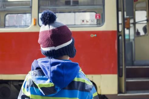 Семилетнему мальчику зажало голову в автобусе в Караганде