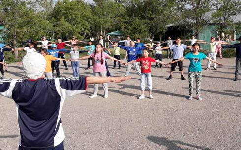 В спортивно-оздоровительном летнем лагере «Бригантина» приняли первую группу детей