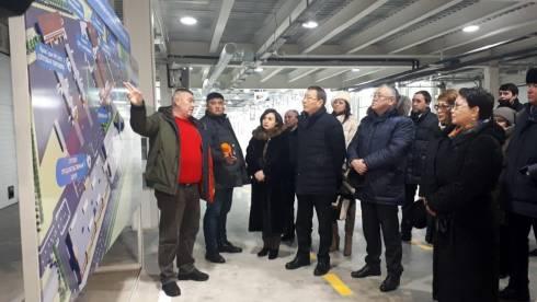 Депутаты Мажилиса посетили оптово-распределительный центр Global Сity