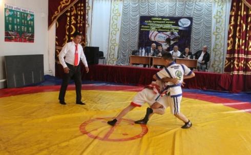 В рамках программы «Рухани жаңғыру» в Карагандинской области развивают қазақ күресі