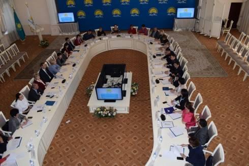 Меры по совершенствованию системы защиты прав детей обсудили в Караганде