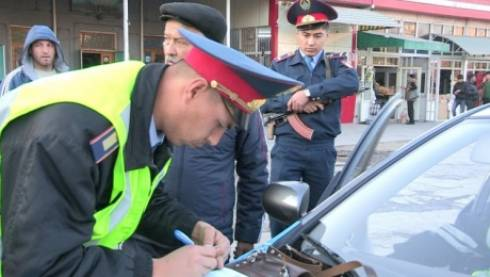 Что делать, если вас остановил инспектор полиции: 5 советов, которые облегчат жизнь водителям