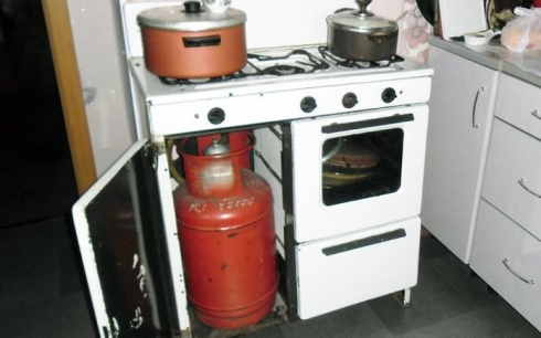 В Караганде жителям многоэтажных домов отказываются продавать газовые баллоны