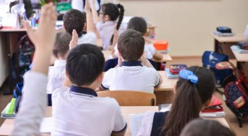 Как в казахстанских школах запрещают смартфоны, рассказали в МОН