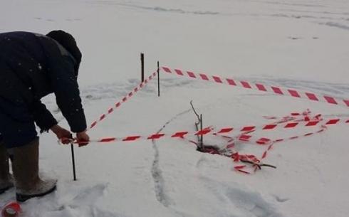 Карагандинцев предупреждают об опасности выхода на лед в Центральном парке