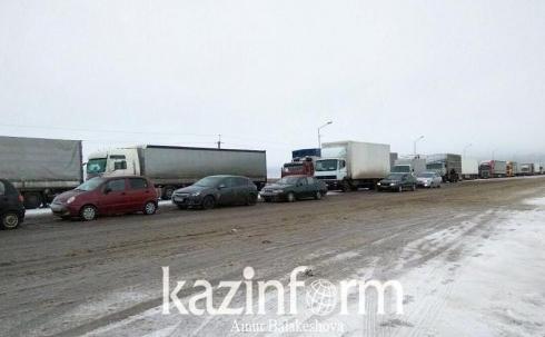 На выездах из городов и районов Карагандинской области установили полицейские посты