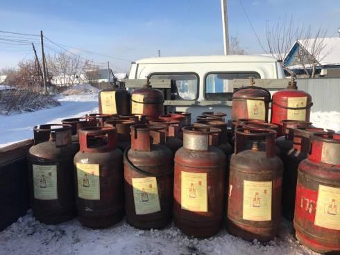 Газовые баллоны с памятками безопасности получают жители Темиртау