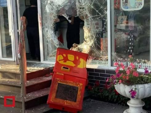 Тащившего терминал Kaspi Bank вора поймали полицейские в Темиртау
