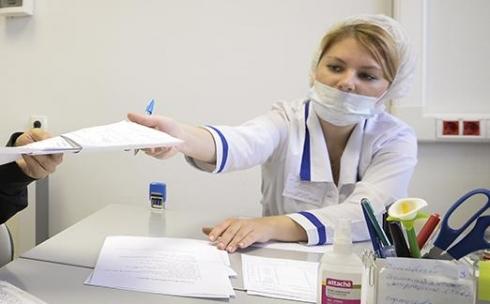 В Управлении здравоохранения ответили, почему в поликлиниках очереди, а врачи неэтично относятся к пациентам
