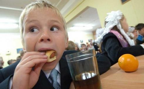 Горячее питание в школах организовано с целью исключения ожирения и других заболеваний у детей