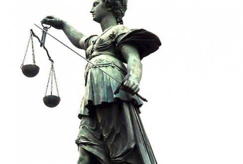 За управление автомобилем в состоянии алкогольного опьянения - арест на 20 суток