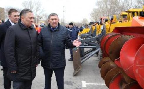 В Карагандинской области приготовили более 650 единиц техники для очистки дорог от снега