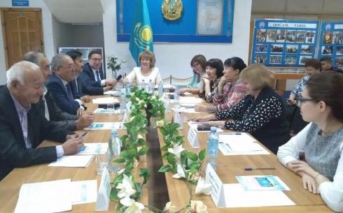 В карагандинском областном архиве обсудили роль молодежи в развитии страны