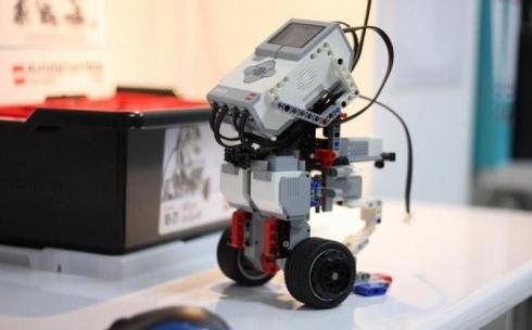 Все 467 школ оснастят лабораториями робототехники в Карагандинской области