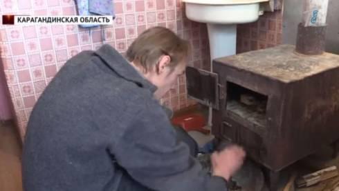 Жители многоэтажек Шахана запасаются дровами и делают в квартирах углярки