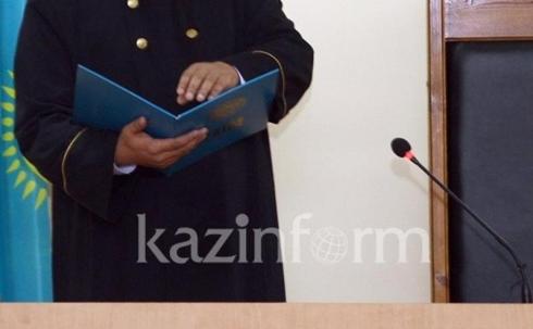 Экс-прокурора Приозерска приговорили к выплате почти 10 млн тенге