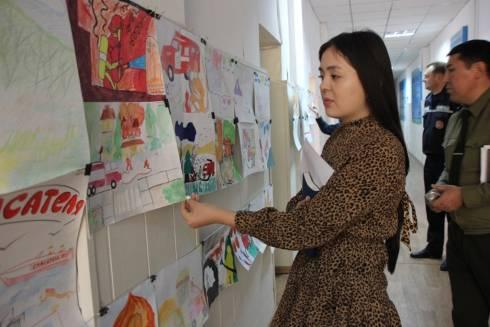 В преддверии Дня спасателя прошел конкурс рисунков на тему «Профессия - спасать»