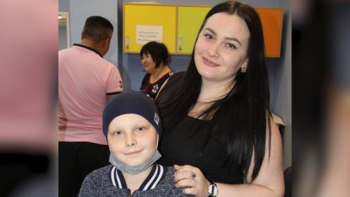 Мама страдающего раком ребенка пожаловалась на отсутствие нужного препарата в Нур-Султане