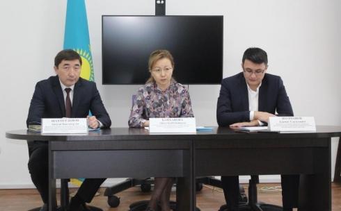 Госслужащие Карагандинской области в основном уходят с должностей из-за низкой зарплаты