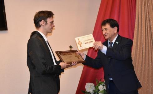 Артист театра имени К.С. Станиславского удостоен премии акима Карагандинской области