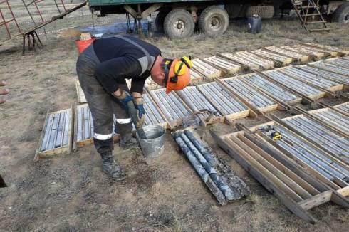 Поисковые работы на перспективном участке с золотом ведутся в Карагандинской области
