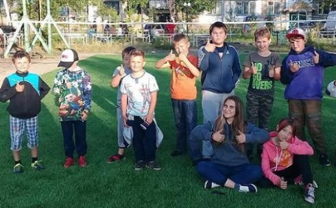 В Караганде установили первую детскую площадку из запланированных в 2020 году