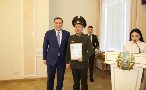 Аким города вручил благодарственное письмо водителю ПЧ-7 Б.К.Садуову