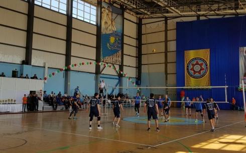 В Темиртау проходит международный турнир по волейболу памяти полковника КНБ Жакана Медеубаева