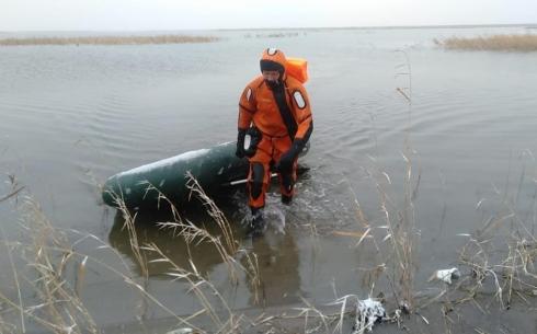 Тело пропавшего рыбака найдено в озере Тортколь