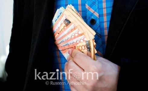 На 6 млн тенге оштрафовали за взятку замакима в Карагандинской области
