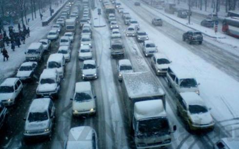 В Карагандинской области подняли проблему длительных зимних пробок