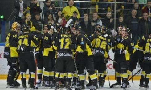 «Сарыарка» второй раз забирает Кубок у «Рубина» в финале плей-офф ВХЛ