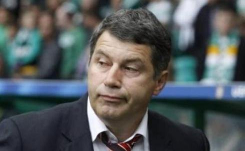 Виктор Кумыков покинул пост главного тренера