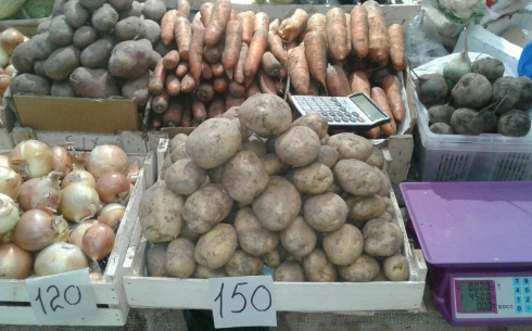 В Караганде  картофель продолжает дорожать