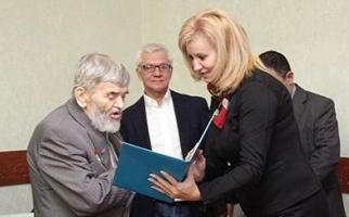 Аким области поздравил  Анатолия Билыка с юбилеем