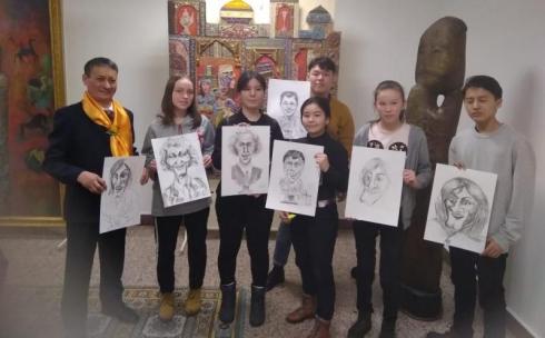 В Библиотеке Первого Президента РК в Астане открылась выставка детского творчества