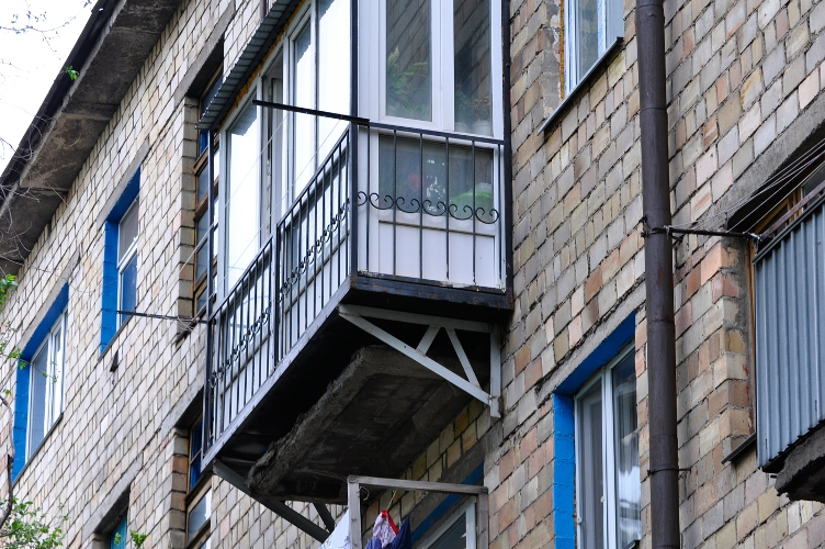 Балконы домов города караганды. фото. караганда онлайн.